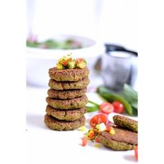Baked and healthy falafel  #healthyeatin #bakedtreats #falafel #snackbox #recipeonmyblog #foodporn #foodpassion #instapicture #instafollow #instafoodshare #foodphotographer #foodstylist #bakewell #healthyrecipes #helathychoices