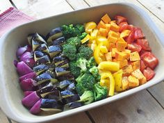 Rainbow oven vegetables make children& eyes light up - - Oven Vegetables, How To Wash Vegetables, Veggies, Baby Food Recipes, Vegan Recipes, Kids Meals, Easy Meals, Pizza Shapes, Food Humor