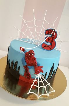 Spiderman Cake Ideas for Little Super Heroes - Novelty Birthday Cakes Spiderman Cake Topper, Spiderman Birthday Cake, 4th Birthday Cakes, Novelty Birthday Cakes, Superhero Cake, Cute Cakes, Cake Designs, Amazing Cakes, Cake Decorating