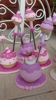Cupcake porta lápiz y porta mensajes.