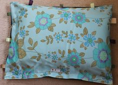Dog Cat Pet Bed Handcrafted in Vintage Fabric and Ribbons My Furniture, Ribbons, Suitcase, Dog Cat, Pillows, Pets, Green, Fabric, Vintage