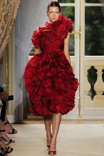 spleen de couture: GIAMBATTISTA VALLI   Hi, fashion people! Everytime...