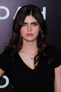 There are so many beautiful people in Hollywood, that it's hard to stick out in the crowd. But having a striking set of peepers helps an actress or actor make a powerful impact on the big screen. Alexandra Daddario, Beautiful Long Hair, Beautiful Soul, Beautiful Women, Heros Film, Actress Eva Green, Matthew Daddario, Dianna Agron, Jennifer Connelly