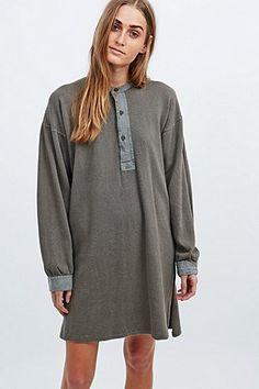 Urban Renewal Vintage Originals – Henley-Kleid mit Waffelmuster in Khaki - Urban Outfitters