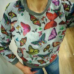 Jak se ty motýlci nosí? No, přeci skvěle!! :)) #mikinamotylci #sweatshirtbutterflies #mikina #sweatshirt #tjoy #myjoy Joy, Blouse, Women, Fashion, Moda, Fashion Styles, Glee, Blouses, Being Happy