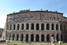 La storia del Teatro Marcello e una curiosità su di esso su http://www.065551.it/scopriamo-roma/le-botteghe-di-teatro-marcello