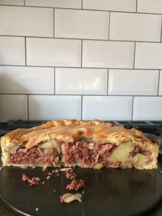 Canned Corned Beef Recipe, Corned Beef Pie, Beef Pies, Corned Beef Recipes, Meat Recipes, Cooking Recipes, Beef Meals, Pastry Recipes, Welsh Recipes