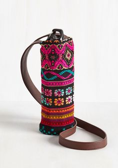 Made to Your Hiking Bottle Tote in Floral Tapestry. Your treks are about to get a lot more stylish with this woven water bottle tote at your side! #multi #modcloth