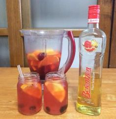 Summer sangria, tasty fresh and fruity whte wine recipe. great for BBQ's and party's!