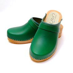 75220a5b857d 75 meilleures images du tableau Sabots et sandales suédoises   Clog ...