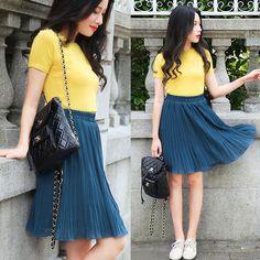 Rosa - Larmoni Pleats Skirt - Peacock Blue