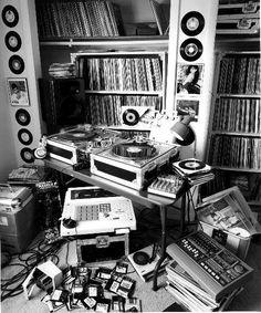 Hip hop life Music vinyl records tapes vintage black and white retro Midnight Marauders, Arte Do Hip Hop, Vinyl Collection, Colani, Hip Hop Instrumental, Dj Setup, Dj Booth, Partition, Record Players