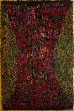 Uhra Simberg-Ehrström ::: Granata ::: 1963 Rya Rug, Wool Rug, Kinds Of Fabric, Magic Carpet, Hem, Punch Needle, Floor Rugs, Wall Hangings, Textile Art