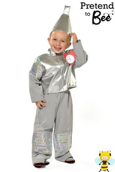 Metallic silver jacket with bi-stretch sleeves and trouser Attachable heart with velcro Silver metallic funnel shaped hat 3 5 Years 5 7 Years 7 9