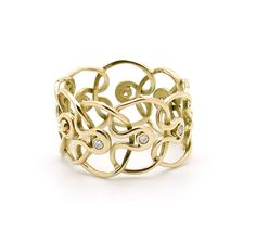 "Gurmit's ""Orgie Of Infinite"" ring inspired by the yoni symbol in 18 carat gold and diamonds."