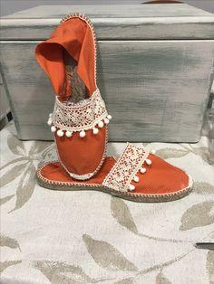 Boho Shoes, Bling Shoes, Shoes Heels, Cute Shoes, Me Too Shoes, Shoe Crafts, Hippie Look, Crochet Boots, Summer Shoes