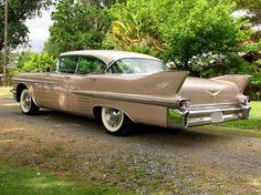 1958 Cadillac Sedan DeVille -- grew up riding in Sedan DeVilles! Vintage Cars, Antique Cars, Super Pictures, Cadillac Escalade, Cadillac Ct6, Counting Cars, Car Camper, Cool Trucks, Hot Cars