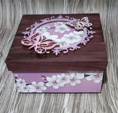Caixa MDF Decorada Flor Cerejeira com Borboletas Caixa MDF Decorada Flor Cerejeira com Borboletas Decoupage Vintage, Napkin Decoupage, Decoupage Box, Painted Jewelry Boxes, Painted Boxes, Arts And Crafts Storage, Diy And Crafts, Wooden Memory Box, Jewelry Box Makeover