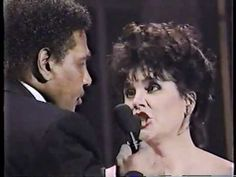 Linda Ronstadt & Aaron Neville:: 'Don't Know Much' live - 1990. May possibly have been recorded at the Grammy Awards Show.. .?