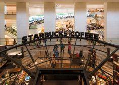 Starbucks Coffee Gate City Osaki Branch (スターバックスコーヒー ゲートシティ大崎店)   Gate City Osaki (ゲートシティ大崎). / Architect : Nikken Sekkei (設計:日建設計).