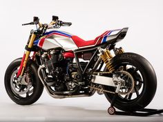Honda has confirmed that its new TR concept and Africa Twin Enduro Sports concept will be on display at Motorcycle Live – the first time the bikes will have been seen in the UK. Only just unveiled at EICMA in Milan last week, […] Concept Motorcycles, Racing Motorcycles, Custom Motorcycles, Vintage Motorcycles, Custom Cafe Racer, Cafe Racer Bikes, Cafe Racers, Honda Motors, Honda Bikes