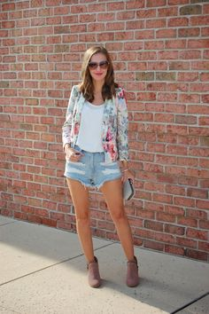 Short Story // Zara floral blazer, Forever21 distressed shorts, ankle booties. #summercasual #casualstyle