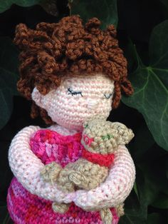 Fat lady with her kat, pattern by Anja Toonen.