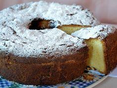 Una torta muy delicada. Sus ingredientes la hace distinguida y fina ideal para tomar un te No Bake Desserts, Easy Desserts, Dessert Recipes, Mini Cakes, Cupcake Cakes, Cupcakes, Pan Dulce, Bread Machine Recipes, Bakery Recipes