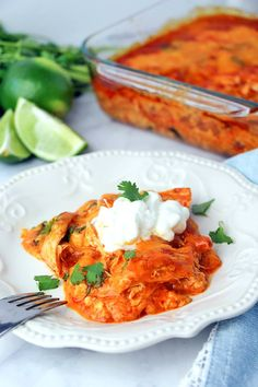 Low Carb Chicken Enchilada Casserole - easy and delish way to enjoy enchiladas on a low carb or keto diet. It's based off the America's Test Kitchen Chicken Enchiladas so you know it's good! Casserole Recipes, Crockpot Recipes, Cooking Recipes, Keto Casserole, Mexican Casserole, Pudding Recipes, Chicken Enchilada Casserole, Chicken Enchiladas, Cheese Enchiladas