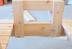 Устанавливаем основание под столик 1. Diy Outdoor Furniture, Outdoor Decor, Bench Plans, Lawn And Garden, Palette, Woodworking, Shelves, How To Plan, Gardening