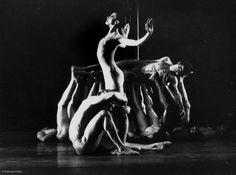 Le sacre du printemps (1976)  Tanzfilm aus BRD.Originaltitel:Le sacre du printemps  Darsteller:kA  Kinostart:kA  Länge:36 Minuten  Genre:Tanzfilm  Jugendfreigabe:kA  Regisseur:Pit Weyrich  Drehbuch:kA  Herstellungsland:BRD  Drehjahr:1976