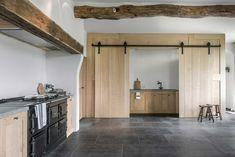 unieke verbouwing landelijk massief hout Home, Kitchen Design, Sweet Home, Country Kitchen, Interior, New Homes, House, Global Decor, House Interior