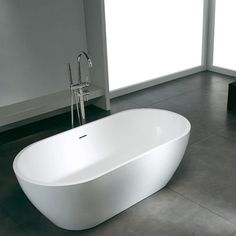 Bañera Solid Surface CAIRO 160 cm http://www.entornobano.com/collections/baneras-solid-surface/products/banera-solid-surface-cairo-160-cm