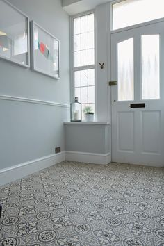 Salisbury Black on Dover White Tile
