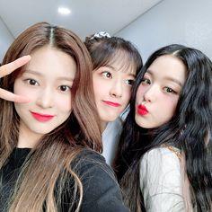 Yuri, One Twitter, Twitter Update, Japanese Girl Group, Kim Min, 3 In One, The Wiz, Ulzzang Girl, Pop Group