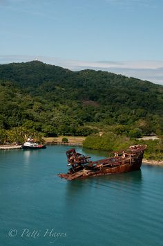 Roatan, Honduras. Been there but it was rainy I want to see it like this!