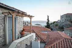 Hydra airbnb - adorable house, nice views, fireplace $161/night