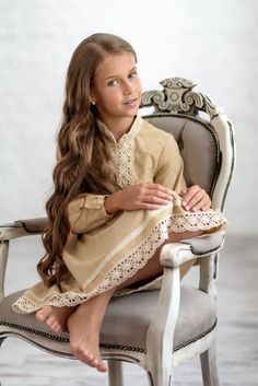 This beige colour dress features long sleeves and knee length skirt. This is a vintage looking design with ivory crochet detailing on chest. The dress is also trimmed with ivory crochet ribbon on its hemline. Young Fashion, Kids Fashion, Pageant Headshots, Childrens Pyjamas, Little Girl Pictures, Teen Girl Poses, Teen Feet, Preteen Girls Fashion, Barefoot Girls