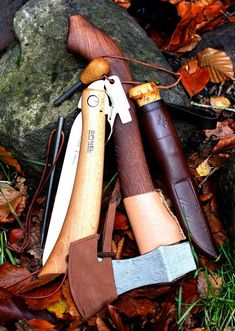 Nice set of tools for the outdoorsman Picture from Flickr by Elbæk.