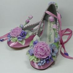 Lilac Roses Violets Purple Bride Bridal by lambsandivydesigns Sugar Plum Fairy, Pointe Shoes, Ballet Shoes, Ballerina Shoes, Bridal Shoes, Wedding Shoes, Fairy Shoes, Creative Shoes, Lilac Roses