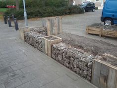 Border from stones and palletwood