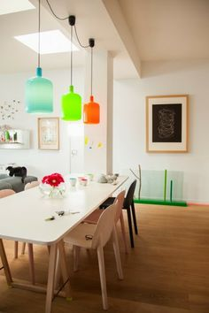 TOUCH this image: Suspensions colorées en verre Bobdesign. by The Socialite Family Kitchen Dinning, Living Dining Room, Dining Room Decor, Kitchen Interior, Ideal Home, Home, Interior, Home Deco, Home Decor