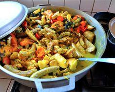 Oil Down (Grenada) Recipe   http://bacchanalfever.com/oil-down-grenada/