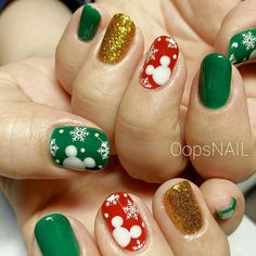 Disney Halloween Nails, Disney Christmas Nails, Christmas Gel Nails, Christmas Nail Designs, Holiday Nails, Nail Art Designs Videos, Simple Nail Art Designs, Nail Art Vernis, Disney Inspired Nails