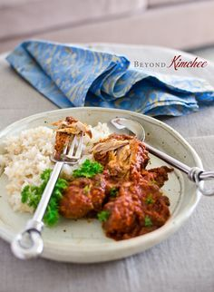 The addition of canned tomatoes along with other pices bring a nice tang to this unique Cape Malay Chicken Curry recipe. This is a mildly spicy curry for everyone. Indian Food Recipes, Asian Recipes, Healthy Recipes, Ethnic Recipes, Tea Recipes, Healthy Food, Recipies, Tandoori Chicken, Chicken Curry