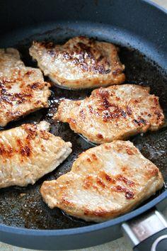 sio-smutki! Monika od kuchni: Schab duszony w sosie z papryką i musztardą Food Decoration, Iron Pan, Pork, Food And Drink, Menu, Dinner, Kitchen, Wedding, Easy Meals