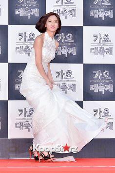 Hyeri - Girl's Day at 2014 KBS Gayo Daechukje Red Carpet Lee Hyeri, Girl's Day Hyeri, Girl Sday, Red Carpet, Kpop, Wedding Dresses, Photos, Fashion, Bride Dresses