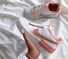 Cute nike sneakers via Cute Nike Shoes, Cute Sneakers, Shoes Sneakers, Summer Sneakers, Pink Nike Shoes, Pink Nikes, Shoes Heels, Jordan Shoes Girls, Girls Shoes