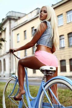 голые девушки на велосипедах - Recherche Google