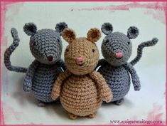 Video Amigurumi Mouse Tutorial ~ Amigurumi To Go- freebie mousie pattern! Look for clothes patterns to come on site!